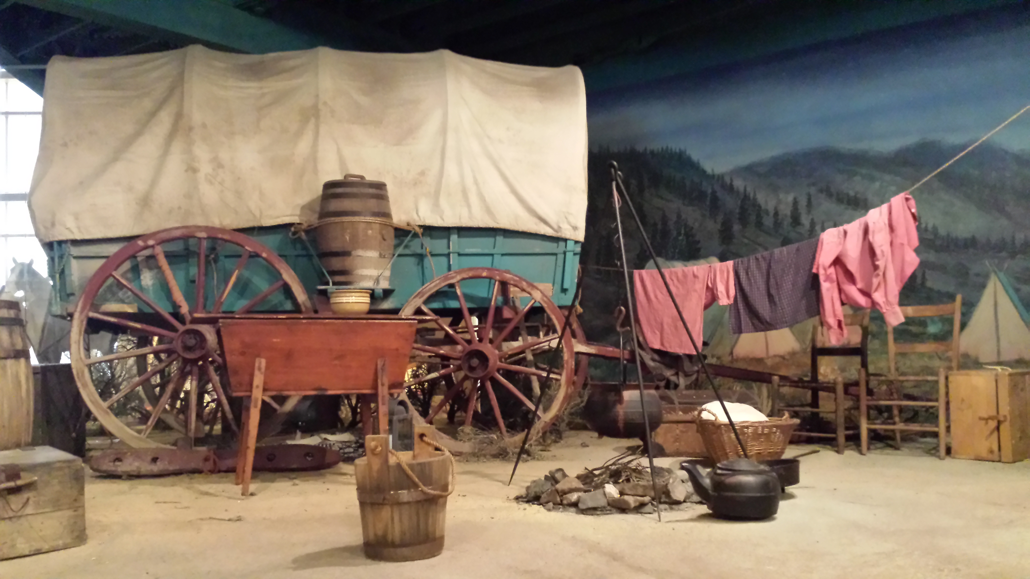 Pictures of pioneers on the oregon trail Treasures in the Trunk: Quilts of the Oregon Trail